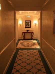 Какие обои лучше для коридора
