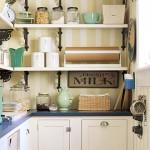 полосатые обои для кухни