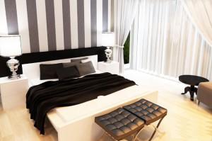 Белая кровать чёрно-белые обои
