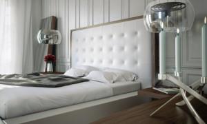 Белая кровать светлые стены