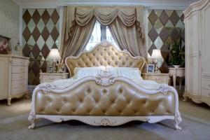 белая кровать - темные стены