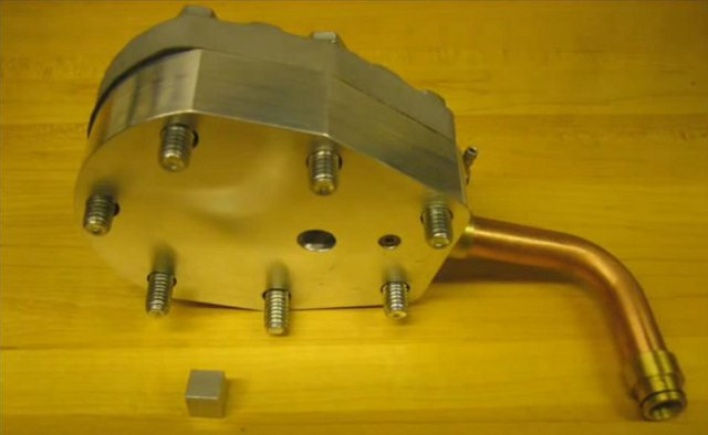 Компрессионный насос двигателя стирлинга
