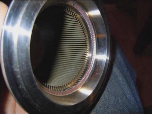 Внутренние рёбра нагревателя и сварочный шов